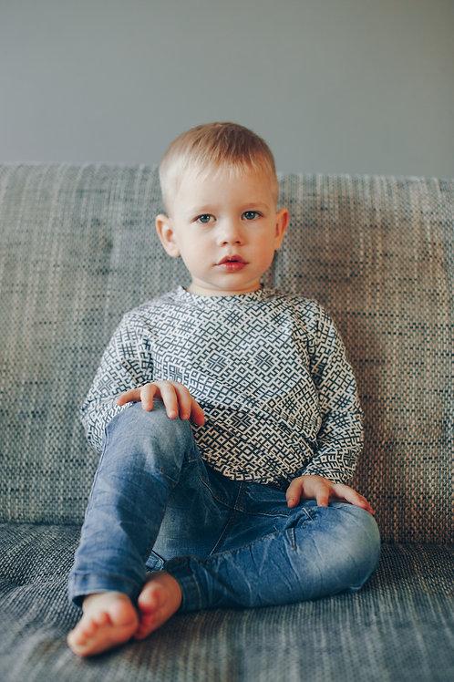 Pelēks Latviska dizaina krekls ar garām piedurknēm
