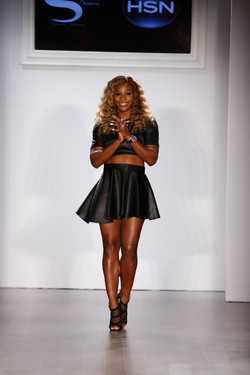 12_Serena Williams taking her bow at her Signature Statement show