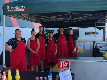 A SIZZLING TIME WAS HAD AT THE BUNNINGS FUNDRAISER