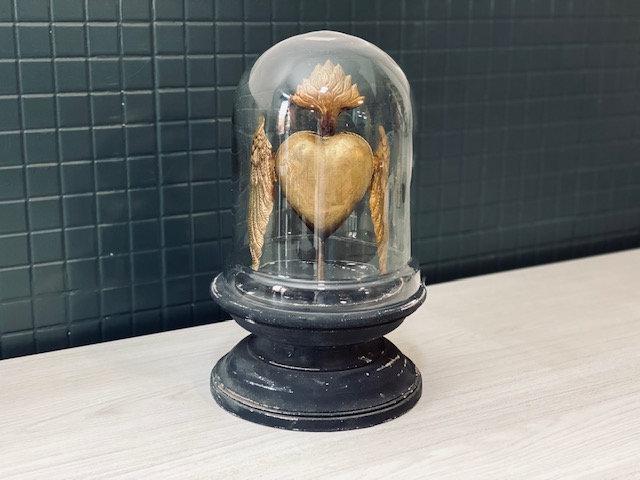 Fanal cúpula Corazón alado con caja secretos