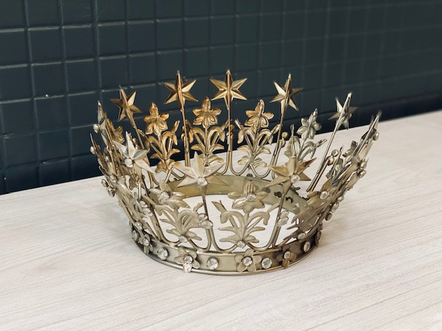 Corona Reina India L