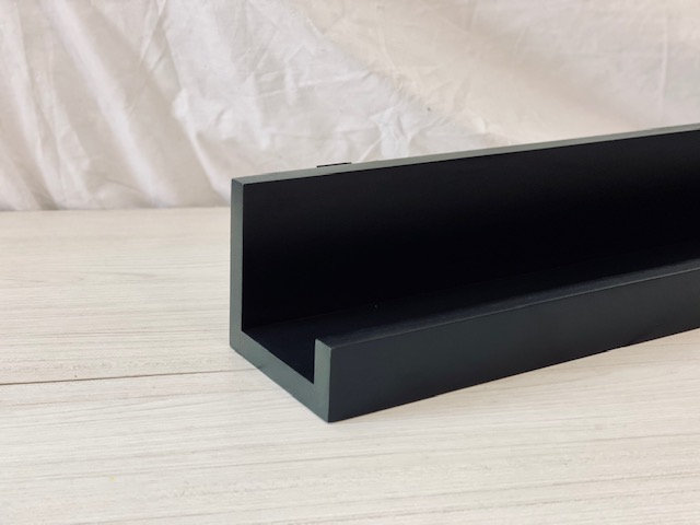 Repisa Corchete 60 cm negra