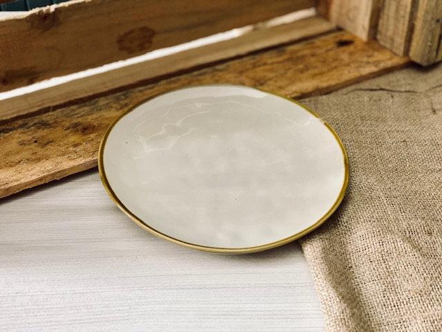 Plato pan beige borde café