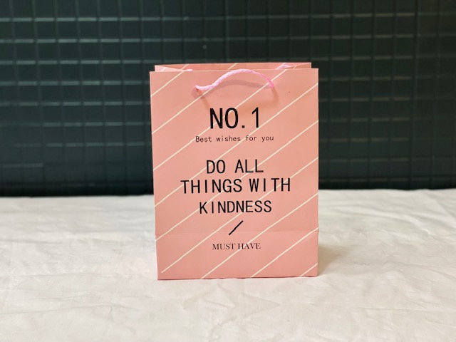 Bolsa regalo Do all things with kindness