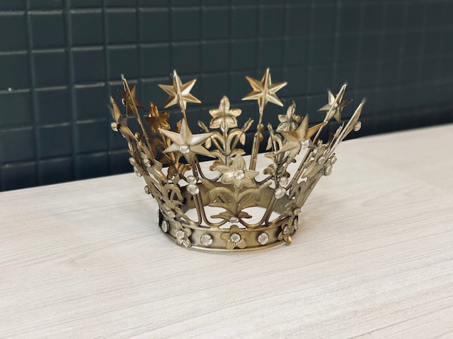 Corona Reina India M
