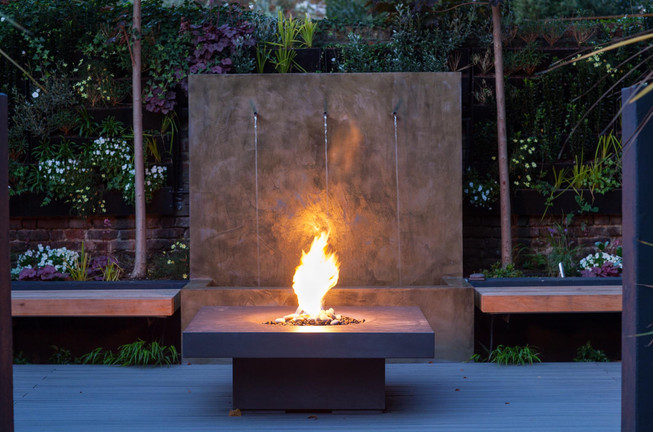 Contemporary water feature and fire table