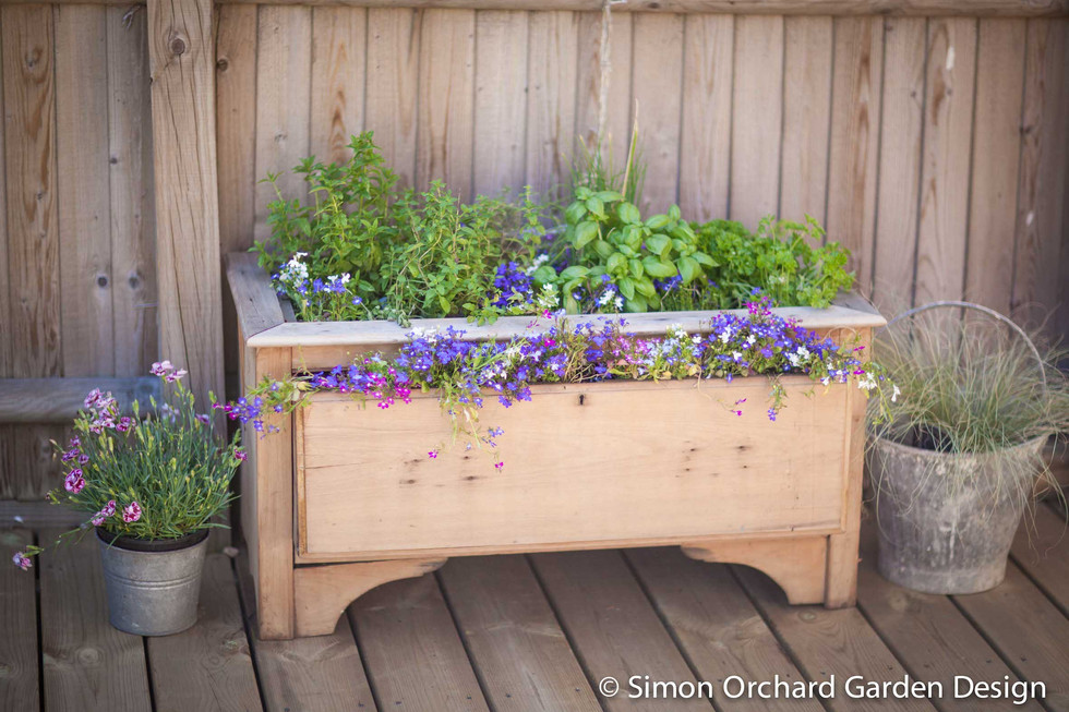 Upcycled herb planter