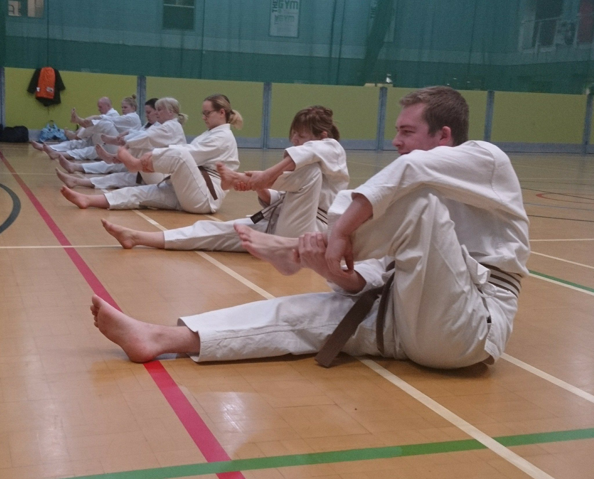 Bishopbriggs Dojo_stretching pre class i