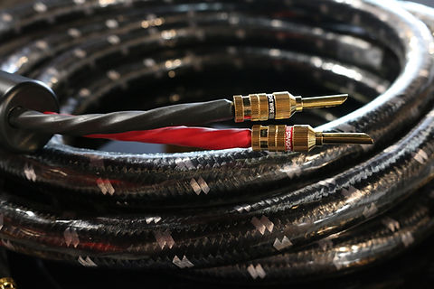 Home audio Straightwire high end audio speaker cables