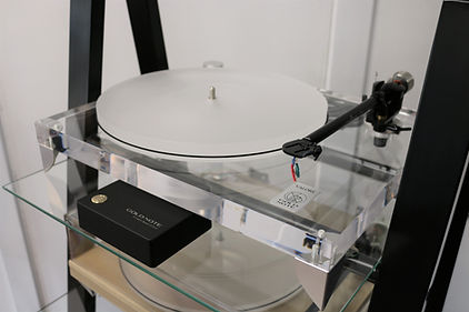 Home audio hifi Gold Note vinyl turntable
