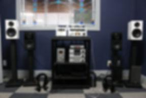 Home audio stereo hifi speakers headphones headphone amps streamer DAC
