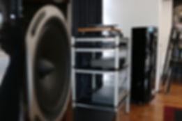 Home audio stereo hifi Triangle speakers Gold Note turntable Hegel amplifier Atoll CD Player