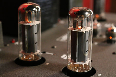 Home audio Conrad Johnson tube amplifier hifi