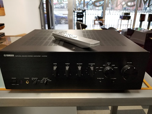 Yamaha CD-S700 and A-S700 Integrated Amp