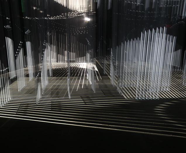 YANNICK JACQUET, JÉRÉMIE PEETERS, THOMAS VAQUIÉ [ANTIVJ]/3Destruct* . © Pauline Manet