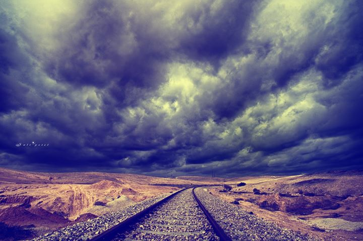 Make love with clouds in a stormy day__(זה מה שעושים ביום כזה בדרך לצילומים.