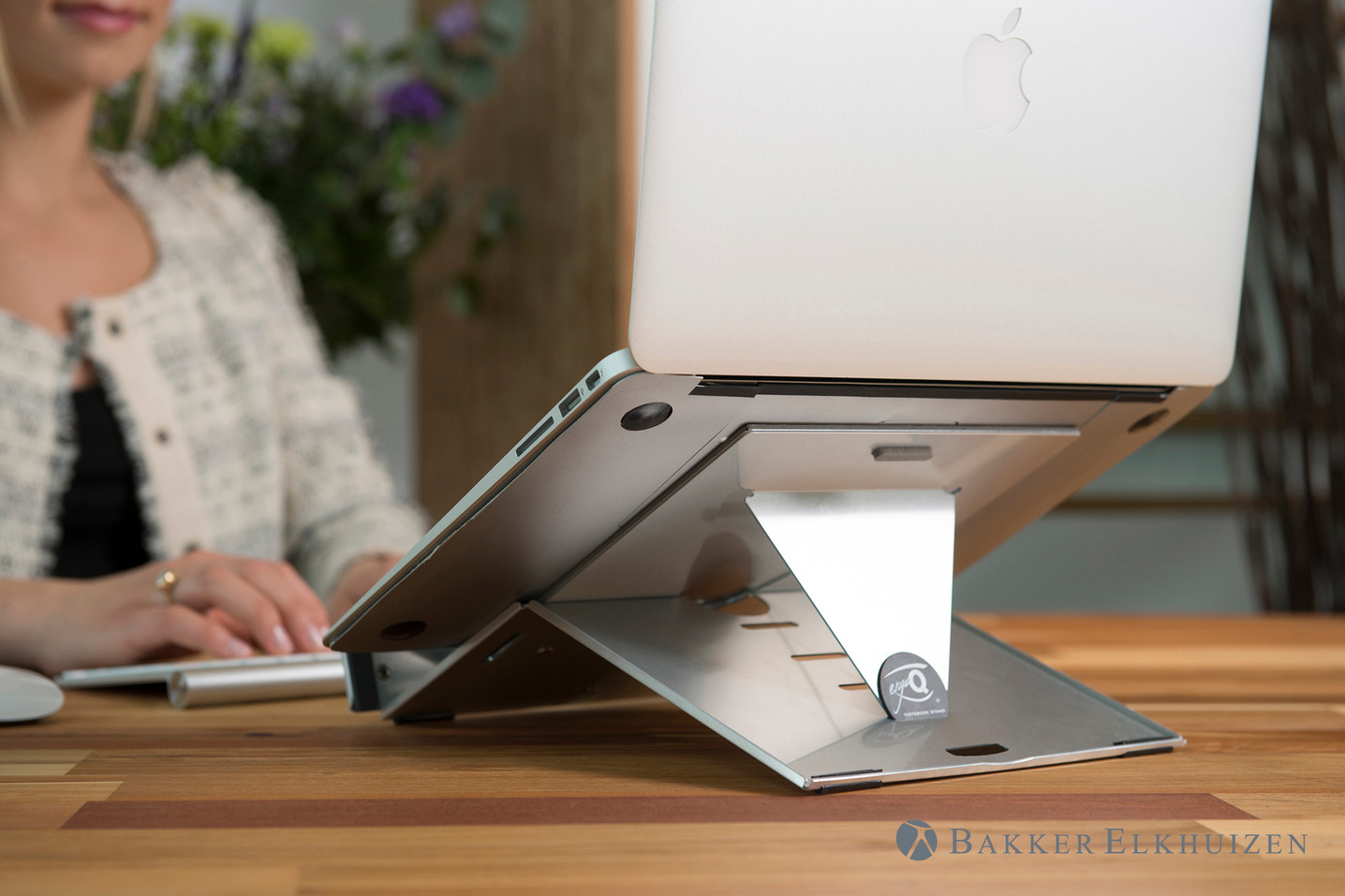 ergo-q-260-12-inch-portable-notebook-sta