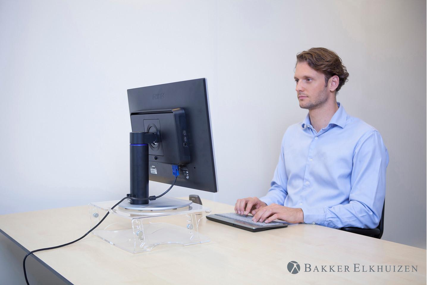 q-riser-140-monitor-stand-1534761168.jpg