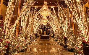 201312-w-best-hotels-for-christmas-the-roosevelt.jpg