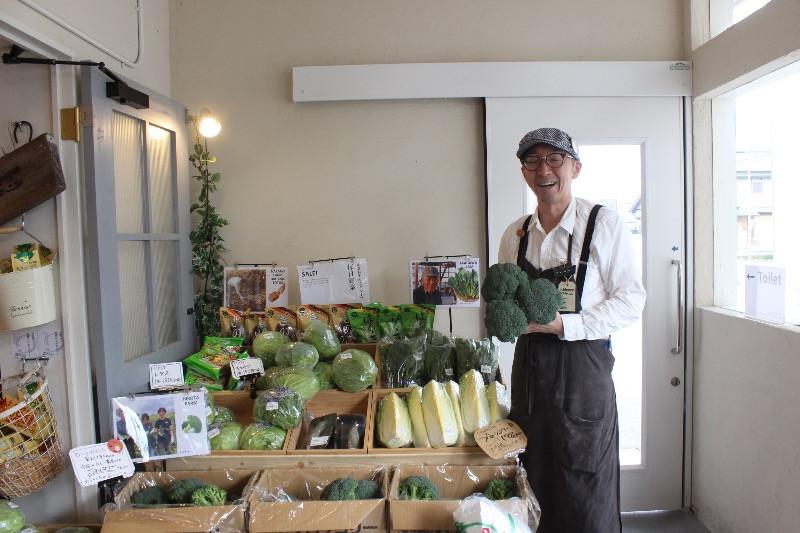 地元野菜の美味し食べ方を熟知した野菜ソムリエの杉浦大西洋(すぎうらひろし)店長