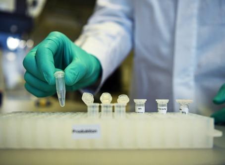 全球有約35間企業和學術機構正在競逐(COVID-19)疫苗開發