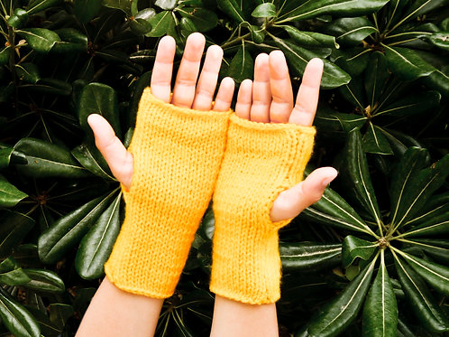 Knitting Kit: GLOVES