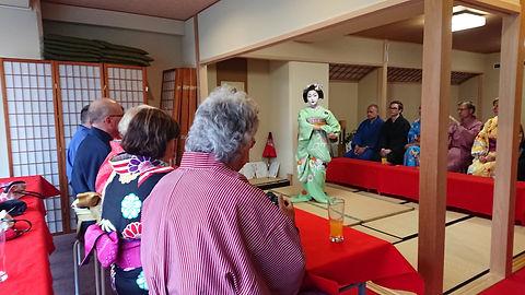 kimono with maiko.jpg