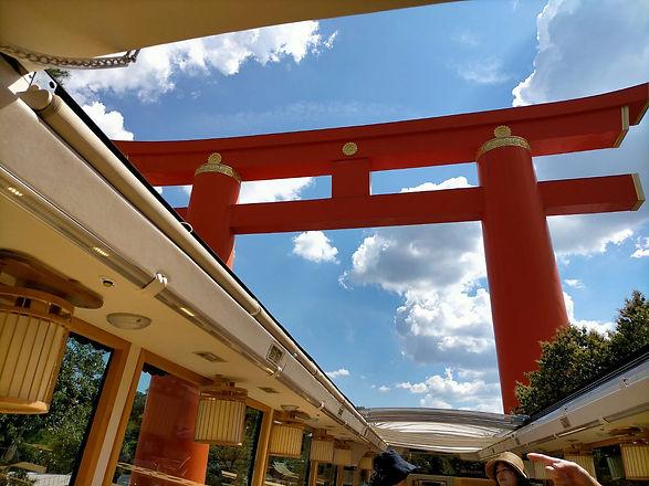 20083002 バスから見る大鳥居.jpg