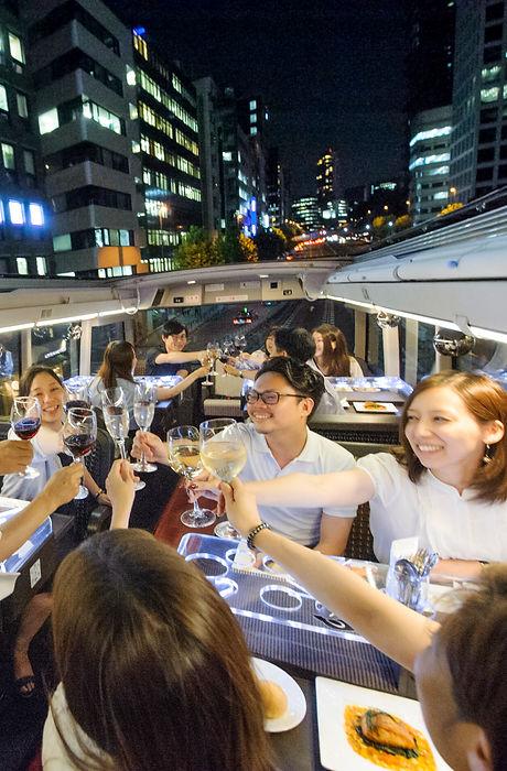 東京RTBバス車内.jpg