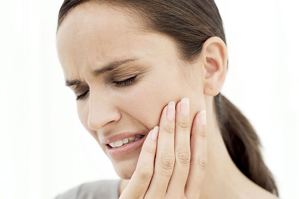 services-tmj-banner-woman-jaw-pain.jpg