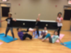 kids free yoga class pic 2.jpeg