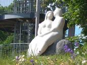 Armastuse ausammas. Skulptuuri autor Rait Pärg