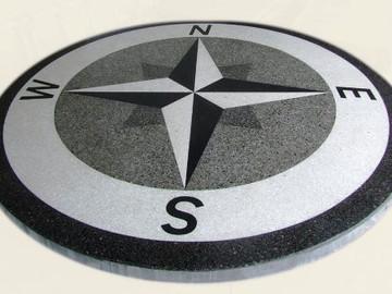 Lihvitud kompass 4 eri toonis betoonist