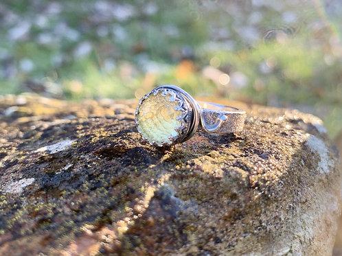 Lemon quartz crown ring