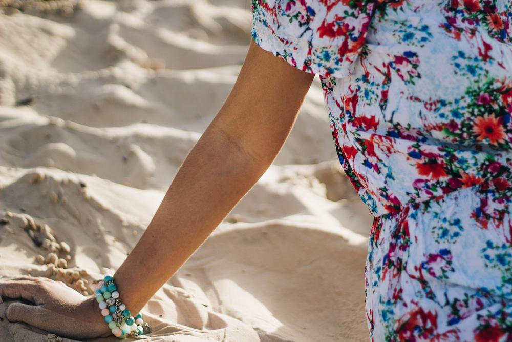 vestido-azul-florido-mix-pulseiras-boho