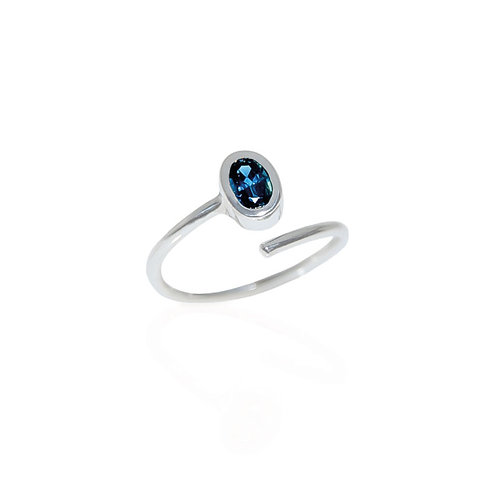 SAPPHIRE OVALE RING