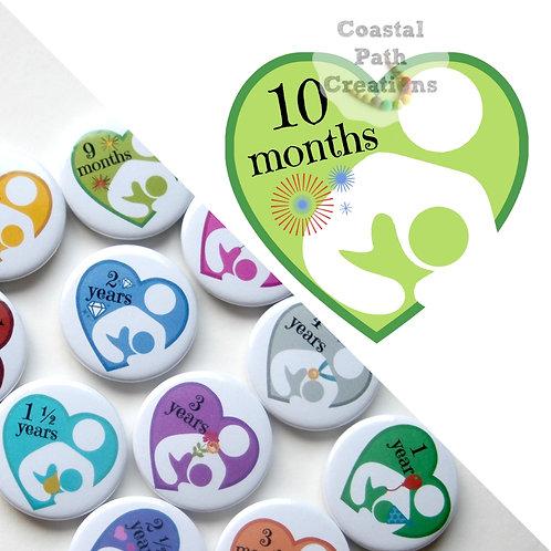 10 Months - Milestone (badge/keyring/magnet)