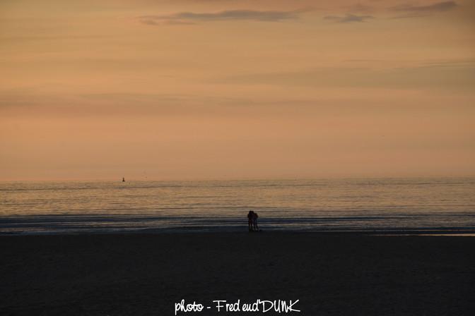 Quitter la noirceur, rejoindre l'horizon éclairé