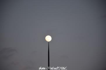 Percer la Lune