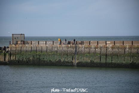 Pêcheurs sur la jetée