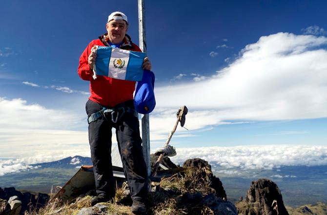Jaime Viñals asciende el volcán mas alto de Oceanía