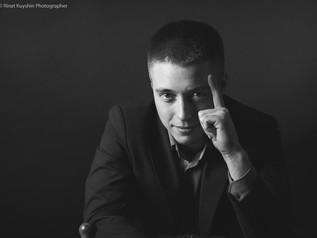 Серия портретных фотографий в деловом стиле