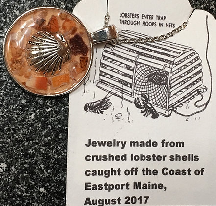 NC-180069 Maine Lobster Shell with Sea Shell charm in epoxy Necklace
