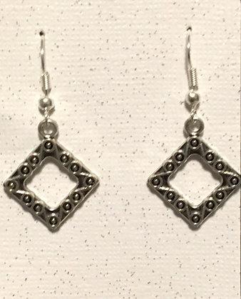 E-200020 Silver cube earrings