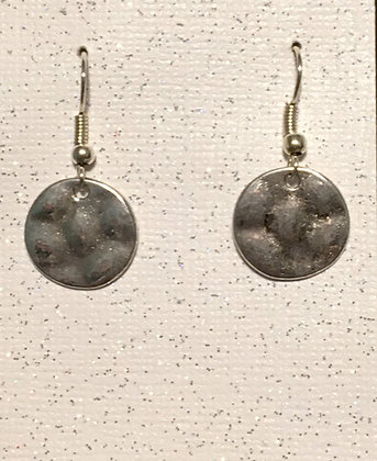 E-200033 Silver hammered disc 12mm earrings