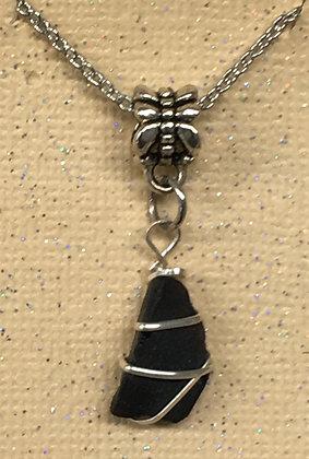 NS-180043 Black Sea Glass .925 silver wire necklac