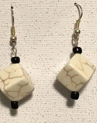 E-200035Cream colored clay cracked cube earrings