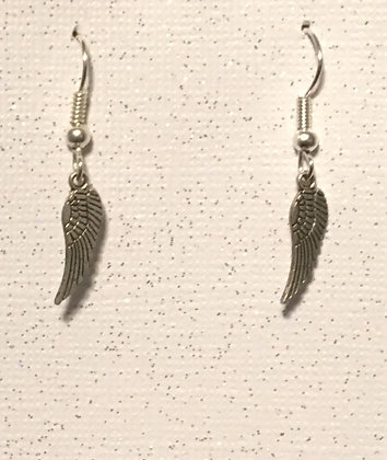 E-200024 Tiny silver feather earrings