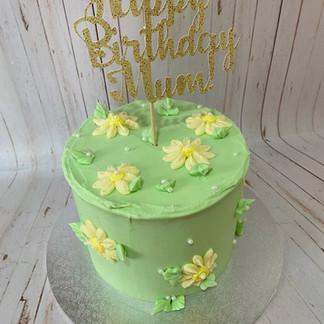 """6"""" Daisy Cake"""