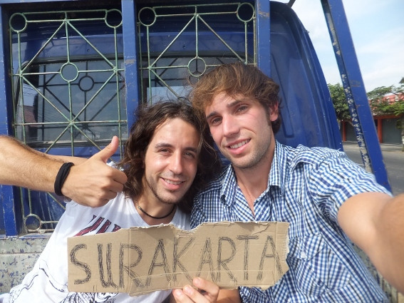 Autostop en Indonesia, rumbo a Surakarta